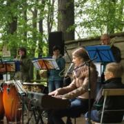 Waldgottesdienst am Waldhaus Kalkbrüche Striegistal 2015, Musik: Bläserband Großwaltersdorf